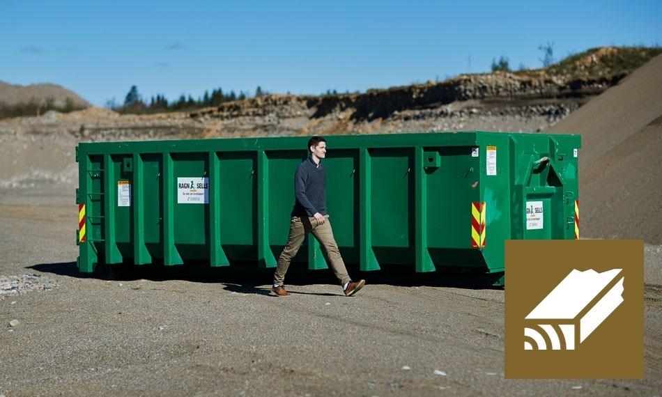 Containerutleie av 20m3 blandet trevirke.